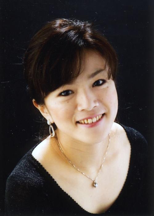 吉川 日奈子